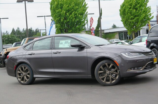 New 2017 Chrysler 200 S